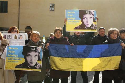 consolato ucraina firenze ucraini davanti al consolato russo quot ridateci stop