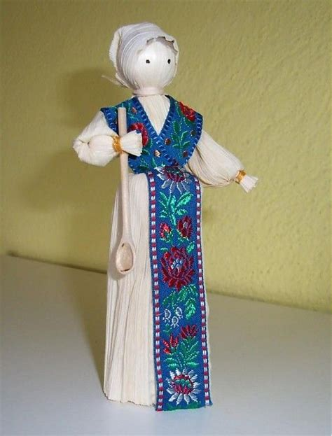mexican corn husk dolls how to make 149 best how to make corn husk dolls images on