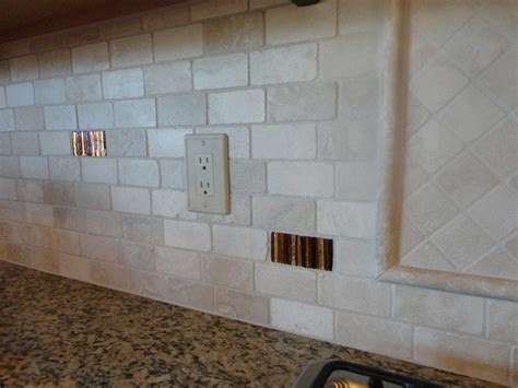 2 215 4 tumbled travertine offset subway back splash w glass