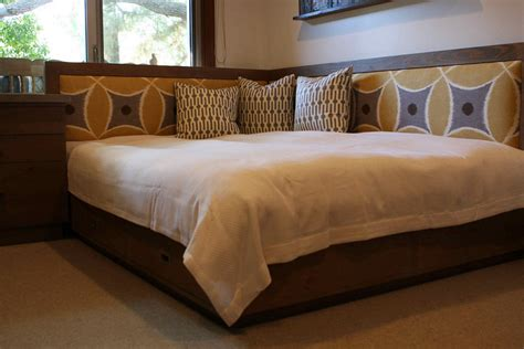 day bed headboards best 25 queen daybed ideas on pinterest spare room