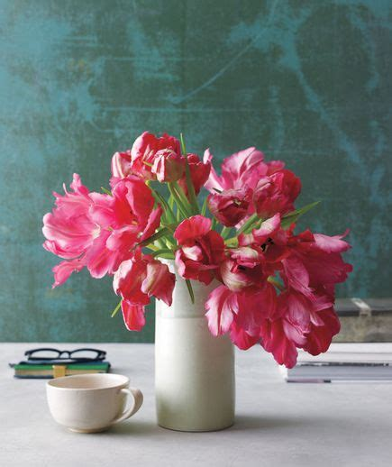 How Do You Arrange Flowers In A Vase by How To Arrange Flowers