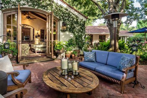 Romantic Tuscan Style Patio Casa Smith Designs Llc Hgtv Themed Patio