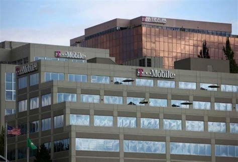 t mobile planning layoffs at company hq pre metropcs