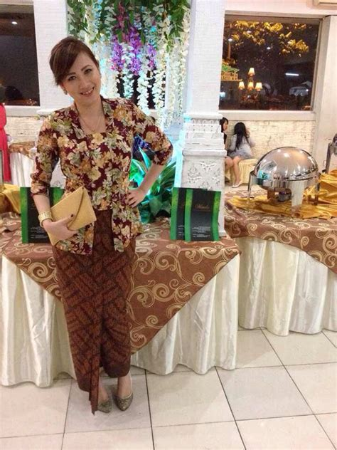 Pembalut Kain Mwise Day Polos 1000 images about kebaya on traditional