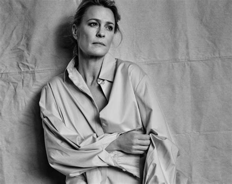what to know about robin wrights house of cards style robin wright outraged kevin spacey is paid more for house