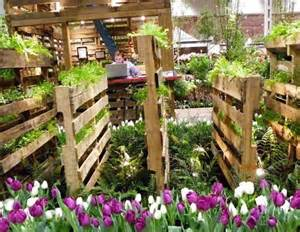 Vertical Pallet Gardens 13 Pallet Vertical Garden For Beautifying You Home