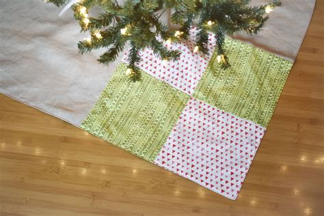 Patchwork Tree - sew a simple patchwork tree skirt