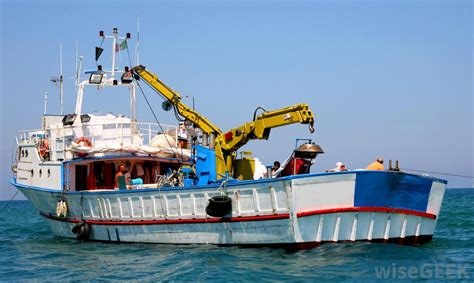 fishing boat equipment how can i run my own commercial fishing boat with pictures