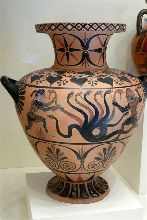 Greek Vases Designs File Herakles And The Hydra Water Jar Etruscan C 525 Bc