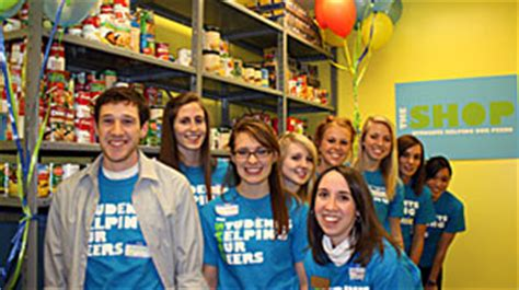 College Food Pantry by Food Pantries Open On College Cuses Abc News