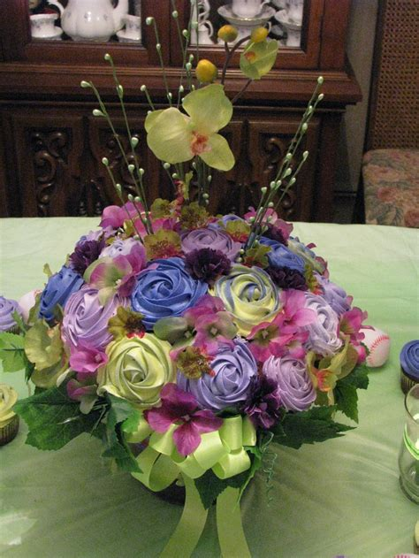 cupcake arrangements for bridal shower 202 best images about cupcake bouquets on cupcake flower cupcake arrangements and