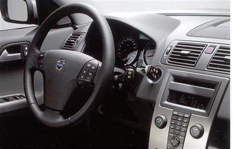 how things work cars 2008 volvo v50 instrument cluster volvo v50 2004 road test road tests honest john