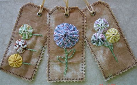 Fabric Tags For Handmade Gifts - handmade primitive fabric yo yo gift tag naive applique