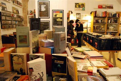 libreria l aquila l aquila torna in centro la libreria indipendente
