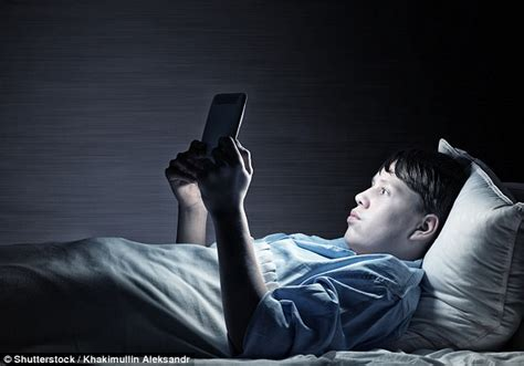 electronic devices reduce sleep hormone levels daily
