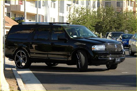 04 lincoln navigator sized photo of david beckham lincoln navigator 04