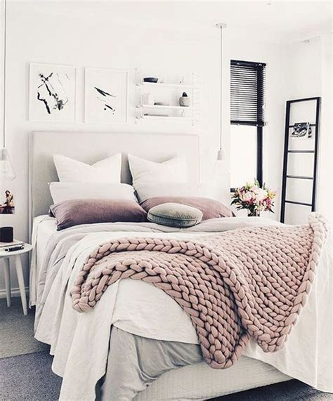 comfy bed cosy comfortable living lipstickheelsandrocknroll 9 ways to create a cozy welcoming guest room