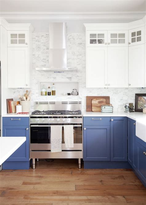 Blue And White Kitchen Cabinets by Best 25 Blue White Kitchens Ideas On Blue And