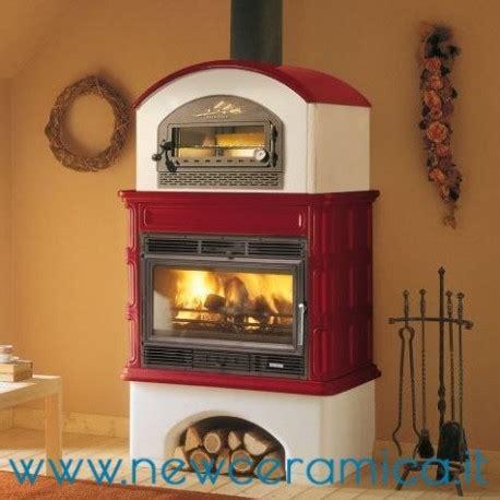 rivestimento forno a legna stufa a legna ingrid con forno rivestimento in ceramica