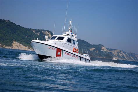 capitaneria di porto di ancona pesaro riuscita esercitazione di soccorso in mare