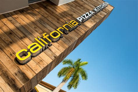 California Pizza Kitchen Fashion Island by Cpk Goes Island Style Pulpconnection