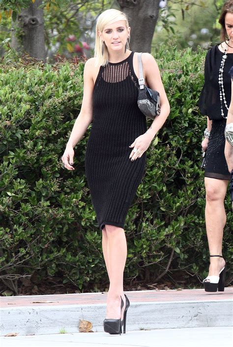 Get Look Ashlee Simpsons Outfitters Dress by Ashlee S Black Crochet Dress Was Surely A Hit
