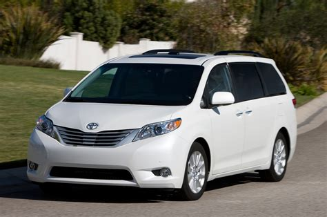 toyota sienna 2013 toyota sienna reviews and rating motor trend