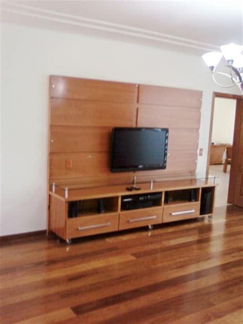 estantes para tv plasma foto estante em madeira para tv de plasma