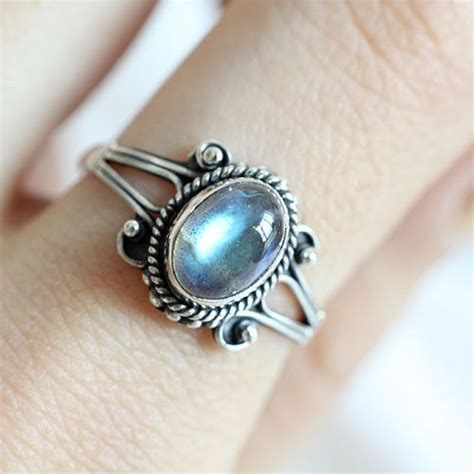 this sterling ring is made with sterling silver 925
