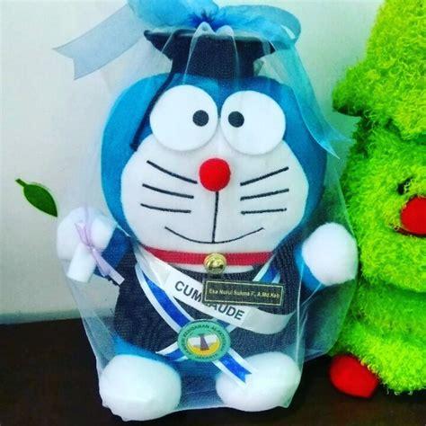 Boneka Wisuda Doraemon Hadiah Wisuda Boneka Doraemon Kado Wisuda jual boneka doraemon wisuda large kado wisudaku