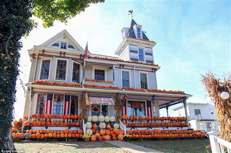 kenova pumpkin house the most creative halloween decorations across america daily mail online