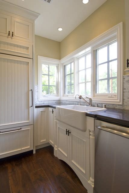beadboard cabinets design ideas