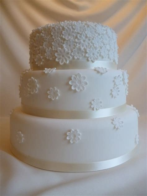 Pantry Wedding Cake by Traditional Wedding Cakes S Vintage Pantry