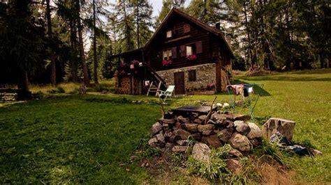 casa da comprare come scegliere la seconda casa in montagna deabyday tv