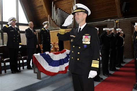 Cno Description by File Us Navy 110401 N 8467n 001 Adm M Richardson Commander Of Submarine Forces Is