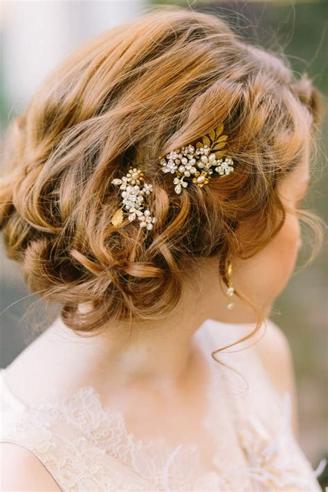 20 best curly wedding hairstyles 20 wedding hairstyles with exquisite headpieces