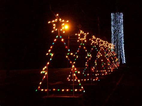 christmas light displays in ma best places to see christmas lights in new england new