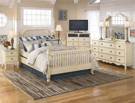Country Themed Bedroom by 15 Beautiful White Bedroom Design Ideas Inspirations