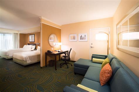 2 Bedroom Suites In City Md by Hotels In Annapolis Md Near Naval Academy Springhill