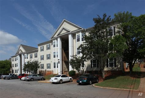 Apartments In East Atlanta Highlands At East Atlanta Atlanta Ga Apartment Finder