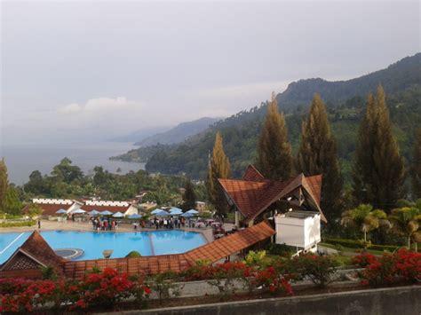 foto foto perjalanan pemandangan danau toba  hotel