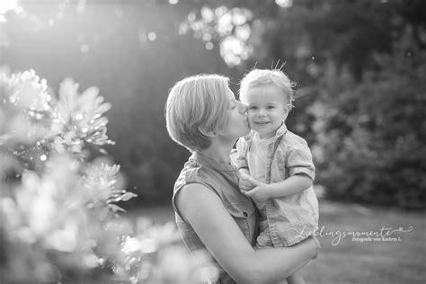fotograf ratingen mutter sohn familienbilder in ratingen lieblingsmomente