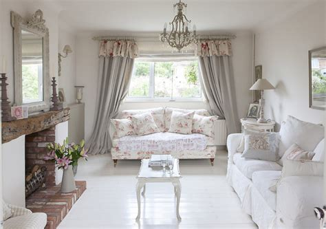 cottage inglesi arredamento bellissimi arredi in stile shabby in un cottage inglese