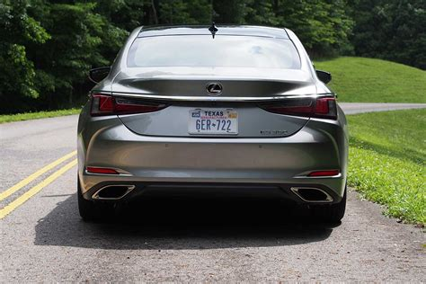 2019 Lexus Es Review by 2019 Lexus Es 350 Review Autoguide