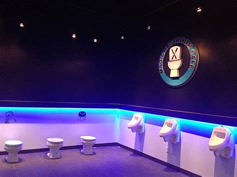 bathroom themed restaurant america s first toilet themed restaurant opens for