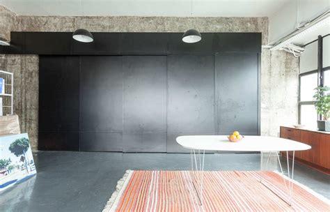 cuisine cach馥 par des portes cuisine cach 233 e par des portes coulissantes