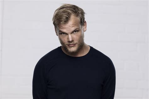 avicii pic avicii shares another stunning clip of quot lonely together