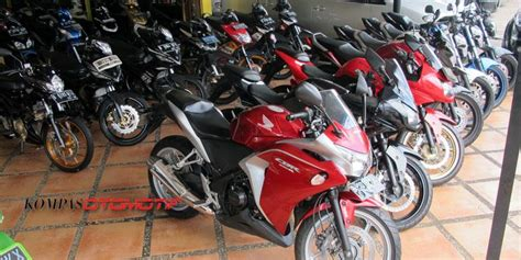 Lu Sorot Sepeda Motor yamaha r15 dan r25 pengaruhi pasar sepeda motor sport