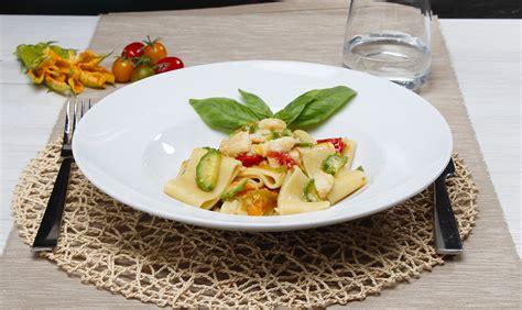 fiori di merluzzo findus ricette ricetta calamarata con merluzzo e fiori di zucchine