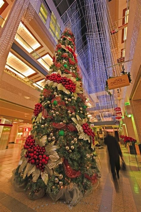 mall decorated christmas tree picture photo information